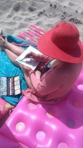 Notre dessinatrice, Isabelle Morin, en Baie de Somme.