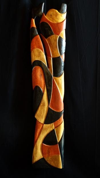 """Pose maasai / Matières : Chêne, bois brûlé, pigment naturel d'ocre rouge, cire. / Dimensions: 118cm x 26cm / Prix : 930€ / """"Fierté pastorale, couleur savane, entre monts Kenya et Kilimandjaro"""""""